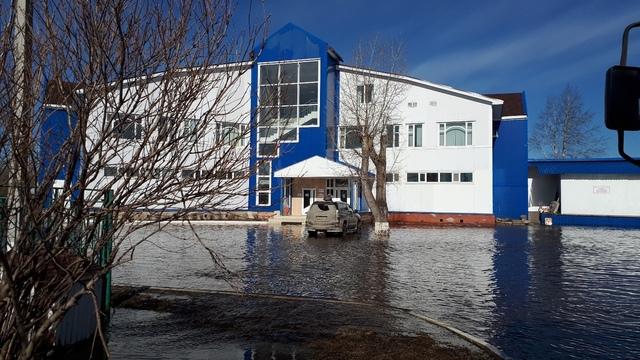 Уровень воды в реке Ухта превысил критический