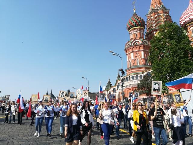 Послы победы из Коми прошли в составе «Бессмертного полка» в Москве